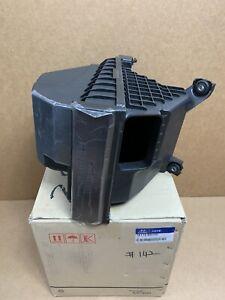 Original Hyundai Air Cleaner Box Intake Filter Santa Fe 13-19 Sorento 14-15 3.3L