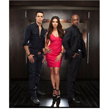 Devious Maids Roselyn Sanchez as Carmen Luna with Guys Posing 8 x 10 inch photo