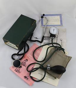 Vintage TENSIOMETRO Alp Japon, Esfigmomanometro, presion arterial y Estetoscopio