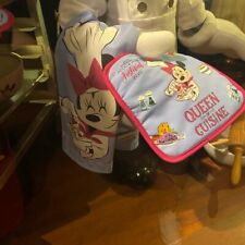 New listing Minnie Mouse Queen of Cuisine towel/ pot holder set New!
