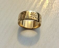 Lovely Ladies Vintage Full Hallmarked Heavy 9CT Patterned Wide Band - K 1/2 app