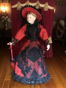 Dolls House 1/12 Porcelain Doll Young Lady F695