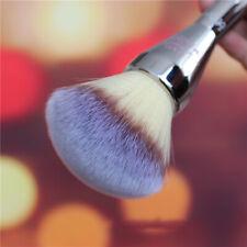 It Cosmetics Brush for Ulta Live Beauty Fully All Over Jumbo Powder Brush #211