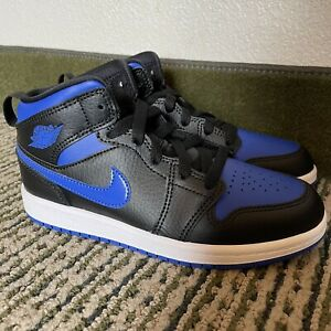 """NEW WITHOUT BOX AIR JORDAN 1 MID """"ROYALS"""" SNEAKERS SZ 2Y KIDS"""