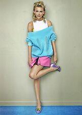 "TAYLOR SWIFT legs - 11"" x 8"" MAGAZINE PINUP - POSTER - BLOND TEEN GIRL SINGER"