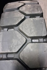 7.00-12 tires Specialty Lug solid forklift retread tire 7.00/12 recaps 70012