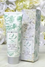 Royal Apothic 22 flowers Protecting Day Hand Cream 4oz