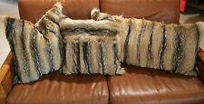Klassische Kissen fürs Wohnzimmer