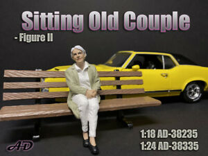 American Diorama 1:24 Scale Figure * Sitting Old Couple * AD-38335 -Figure II