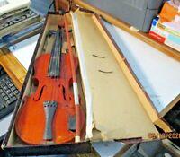 VIOLINO giocattolo anni 30 in legno completo di scatola ed archetto -MOLTO BELLO