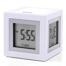 Orologi e sveglie da casa in alluminio bianco