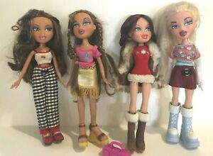 Lot of 4 Bratz Dolls with Clothes and Shoes 2001