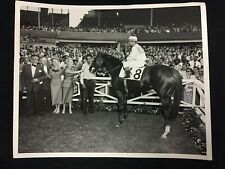 VINTAGE 1950'S JOCKEY WILLIE SHOEMAKER WINNER'S CIRCLE HORSE RACING 8X10 PHOTO