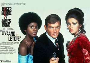 """LIVE AND LET DIE 1973 commercial quad poster 30x40"""" Roger Moore James Bond 007"""
