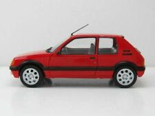 Peugeot 205 1.9 GTi ( Phase 1 ) de 1985  au 1/18 de SOLIDO S1801702