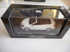 Minichamps Opel Astra Twintop 2006 in White on 1:43 in Box