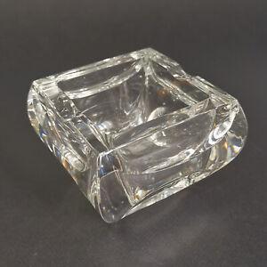 BACCARAT, Cendrier carré en cristal translucide
