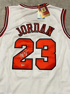 MICHAEL JORDAN SIGNED AUTOGRAPHED CHICAGO BULLS NBA JERSEY COA