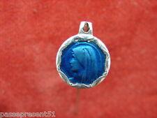 Jolie ancienne médaille, bleue émaillée, Vierge et grotte de Lourdes