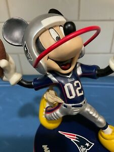 """Danbury Mint  -  New England Patriots  Mickey Mouse  6""""in Statue"""