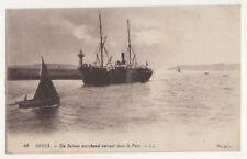 Brest Un Bateau Marchand Entrant Dans Le Port LL 42 France Vintage Postcard 749b