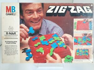 MB Games ZIG ZAG Vintage 1977 Board Game Strategy