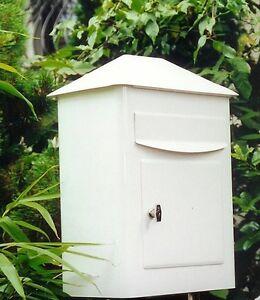 Großer Briefkasten PICOLO Weiß mit Enthname von vorne