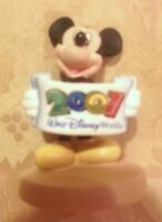 Walt Disney World MICKEY MOUSE FIGURINE 2007 Banner~NEW CERAMIC Collectible