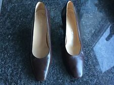 Kurt Geiger Ladies Brown Heeled Shoes Size 37 / 4. Good Condition.