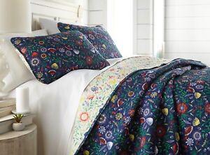 Beautiful and Luxurious Reversible Boho Bloom Lightweight 3-Piece Quilt Set