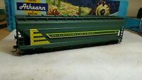Athearn HO John Deere 54' acf center flow covered hopper car
