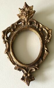 Vintage ITALY Rococo Florentine SMALL OVAL Italian Ornate Gesso Picture Frame