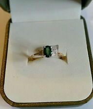 NUOVO.9 CT SMERALDO & DIAMANTI 3 pietra ring.clarity PK2 Brillante Taglio Diamante Taglia N