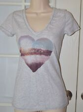 American Eagle V Neck Tee Size Small