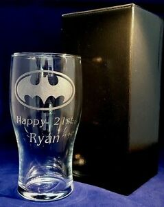 PERSONALISED ENGRAVED BATMAN LOGO PINT GLASS WITH YOUR NAME OR MESSAGE gift box