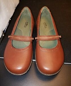 NWOB W's US7/EU38 SIMPLE PLANET WALKERS BROWN LEATHER MARY JANE SLIP ON FLATS