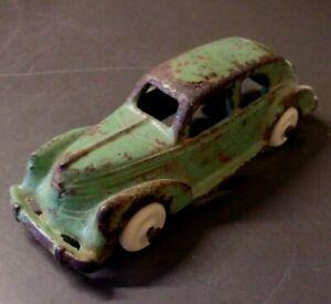 Antique Cast Iron ARCADE 2272 Sedan Car