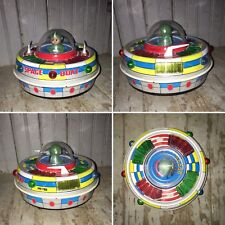 1960s SPACE BOAT ME780 Red China Tin Toy Flying Saucer UFO Ship Astronaut