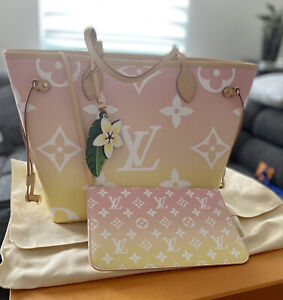 Louis Vuitton Neverfull By The pool