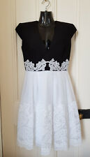 Alex Perry D312 Black and White Yura Lace Applique Box Pleated Dress Sz 10