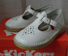 chaussures KICKERS modèle KALI  cuir blanc taille 24