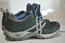 Chaco Womens black leather trail hiking shoes size 7.5
