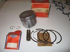 Briggs Stratton engine piston kit, rings, 2 clips, wrist pin, part # 393271 nos