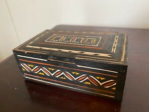 TORAJA SULAWESI INDONESIA PAINTED WOODEN TRINKET BOX