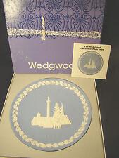 Wedgwood England Jasperware 1970 Christmas Plate with Box Trafalgar Square @9