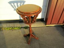 """vintage Plant Fern 31"""" Wood & Spindle Stand that is in good shape - NR"""