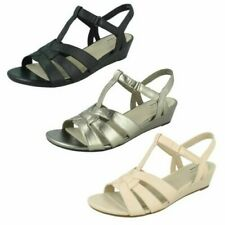 Ladies Clarks T-Bar Summer Sandals 'Abigail Daisy'