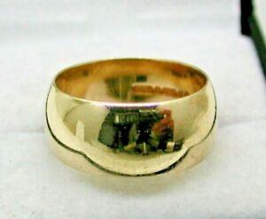 1960's Vintage Gents / Ladies Heavy 9 carat Gold Plain broad Wedding Ring Size R