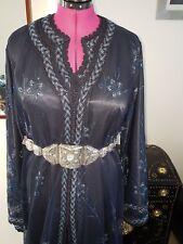 - Marocchino Takchita caftano Royal Blue Blossom indumento uno stile moderno 2018