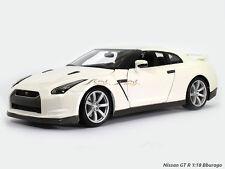 Nissan GT-R white 1:18 Bburago diecast scale model car scaleartsin
